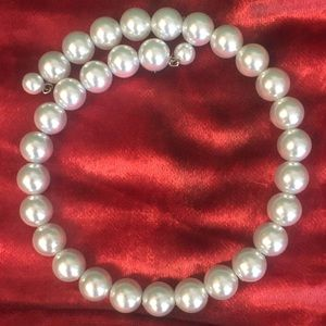 Wire Pearl Necklace 5/$25